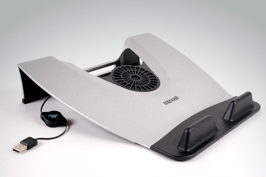 Охлаждащи поставки за лаптопи